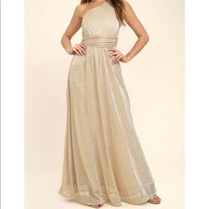 Sparkling gold Lulus gown